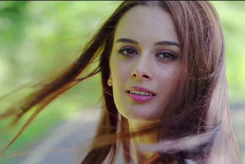 evelyn-sharma-from-ishqedarriyan