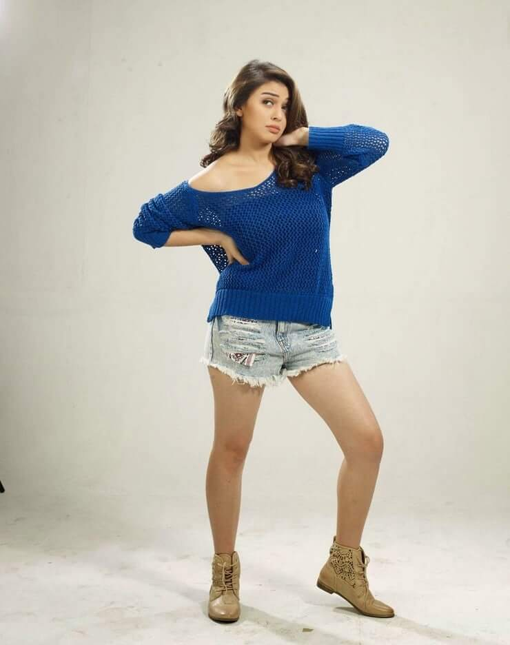 Hansika-Motwani-beautiful-thighs