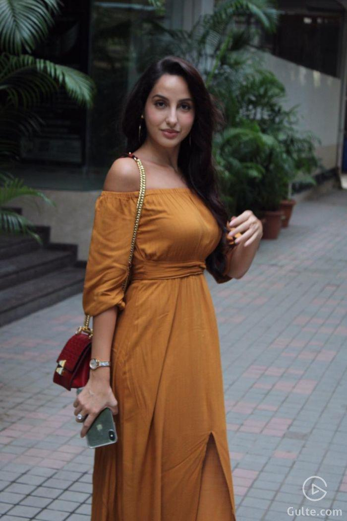 Nora Fatehi sexy images-3