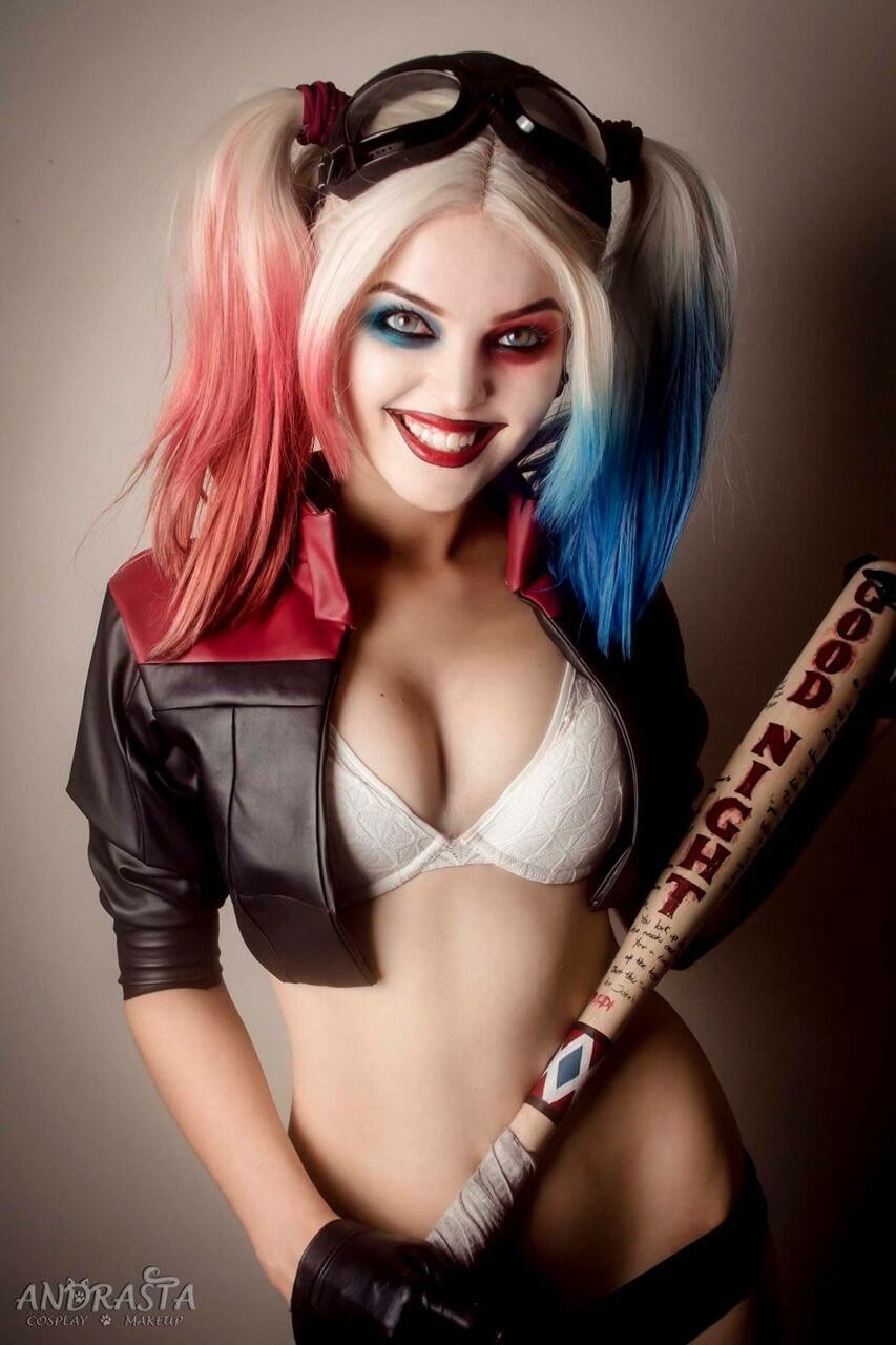 Harley Quinn sexy Pictures
