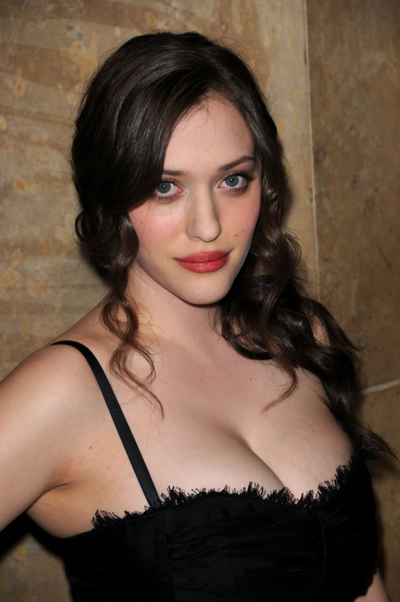 Kat-Dennings-hot-boobs-picture