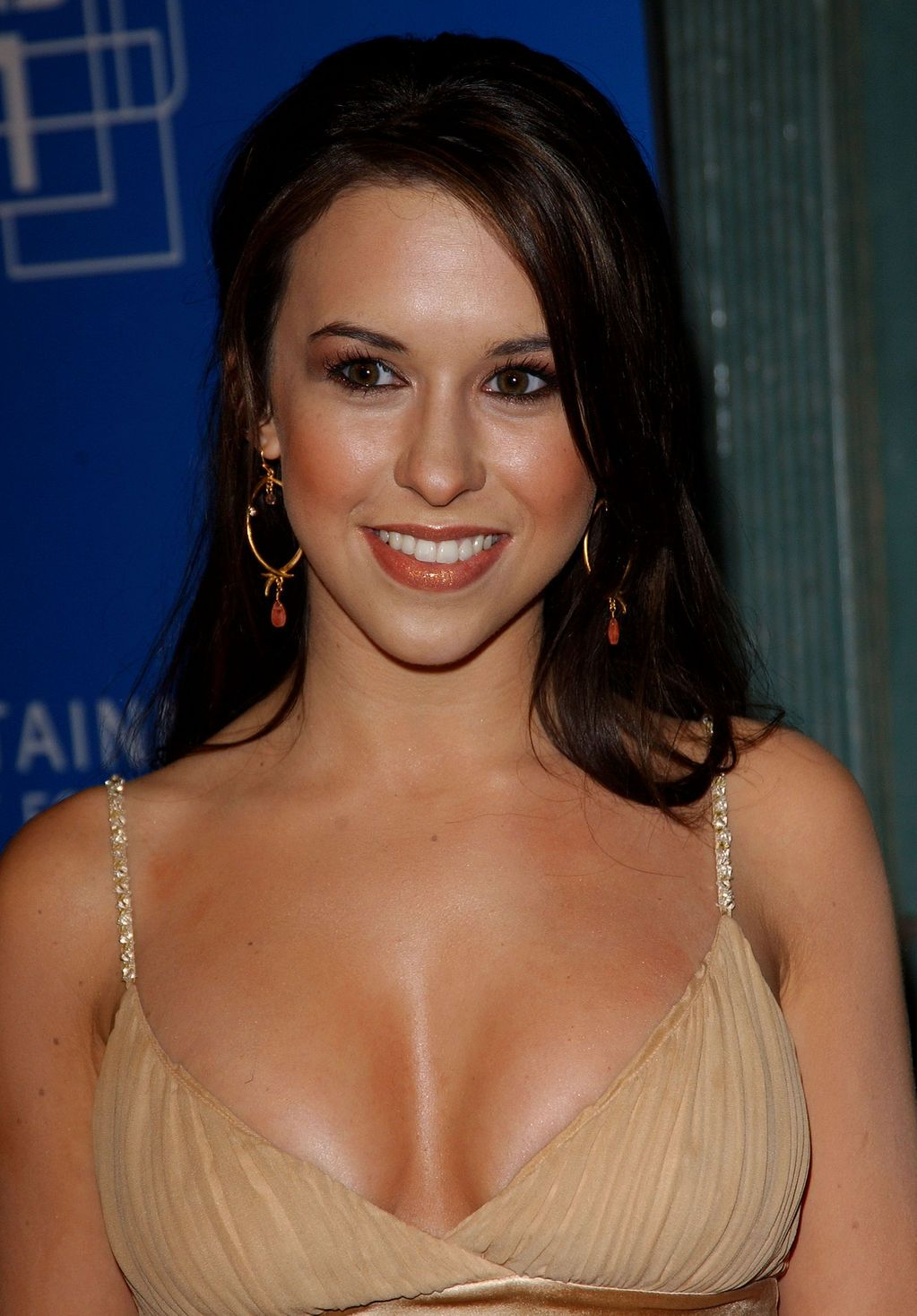 Lacey-Chabert-hot-boobs