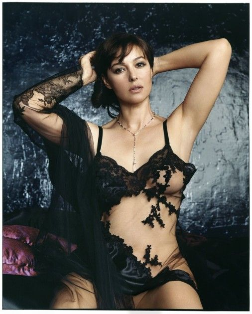 Monica-Bellucci-awesome-piv