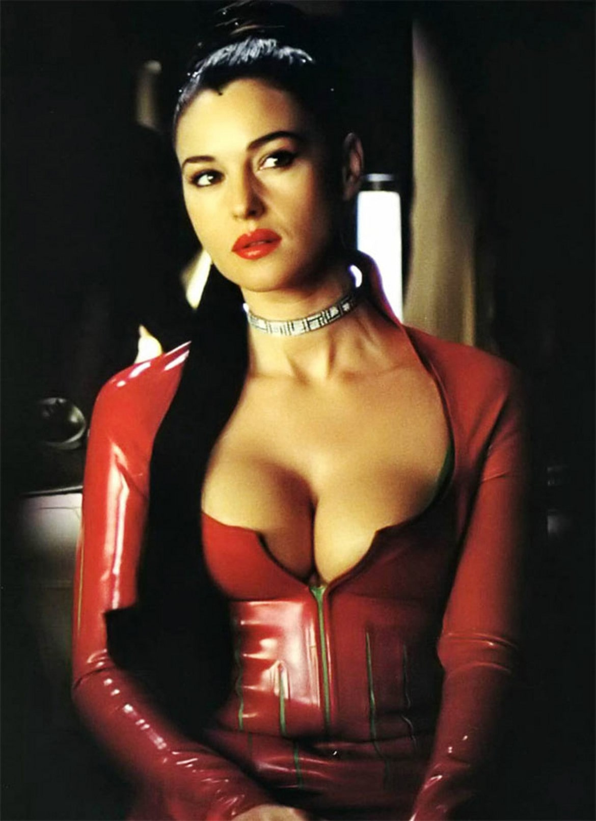 Monica-Bellucci-cleavages