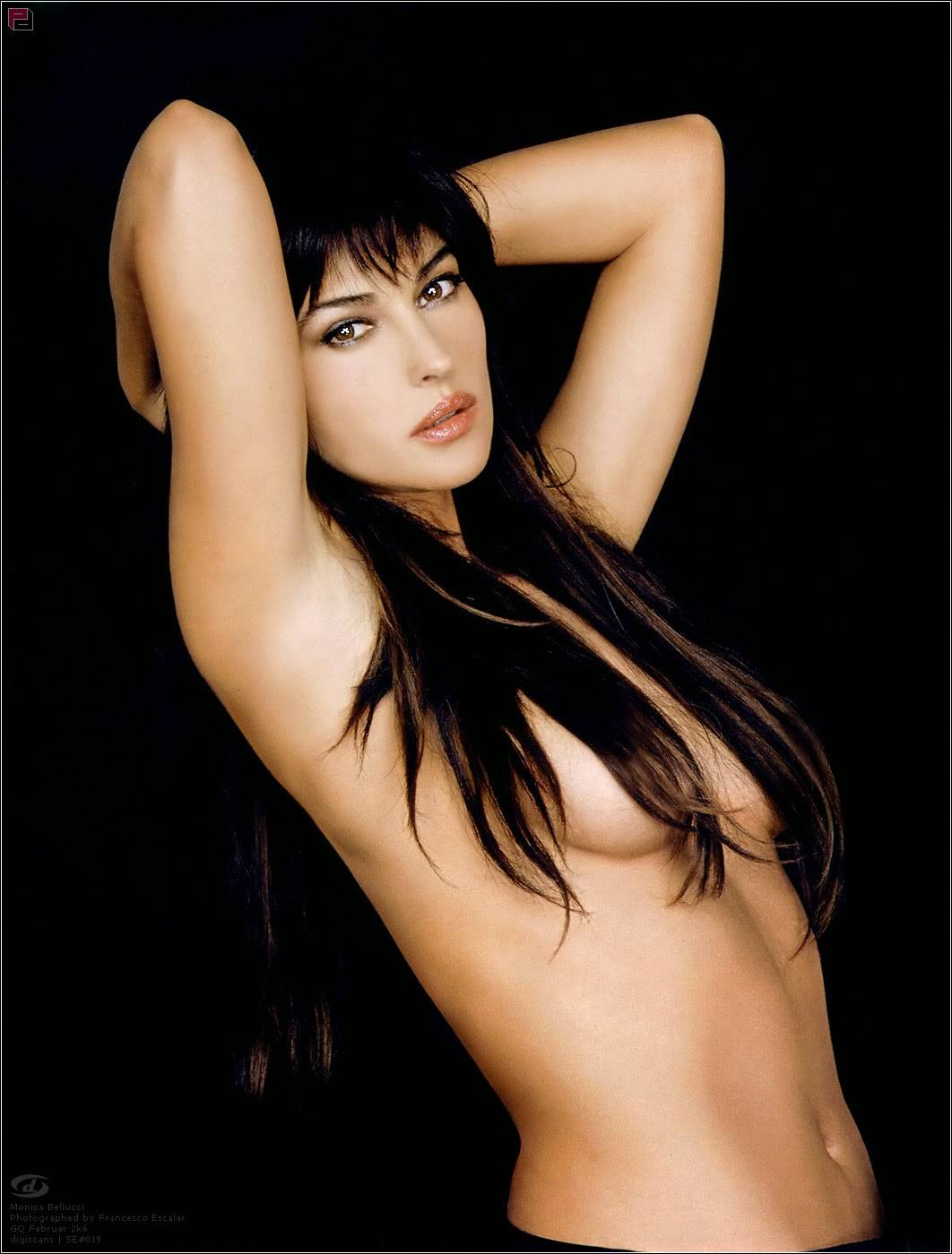 Monica Bellucci hot pic-5