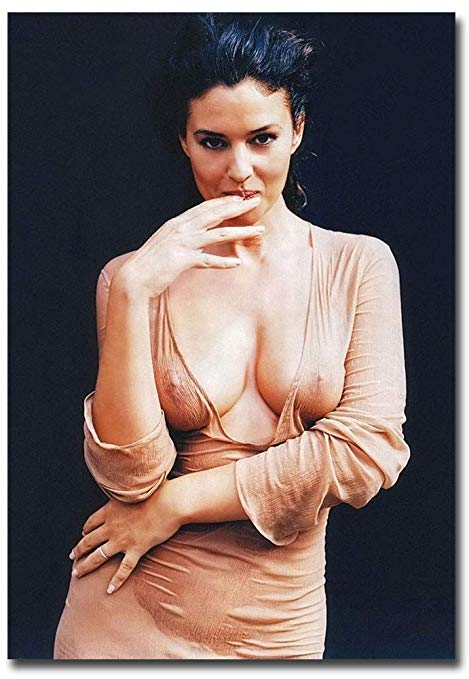 Monica Bellucci hot pic1