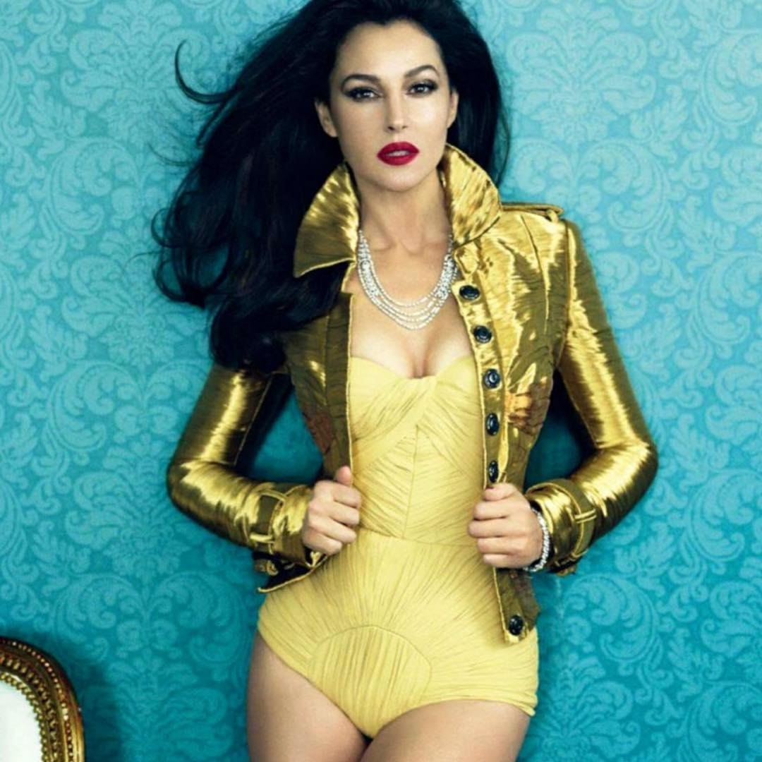 Monica-Bellucci-yellow-swimsuit