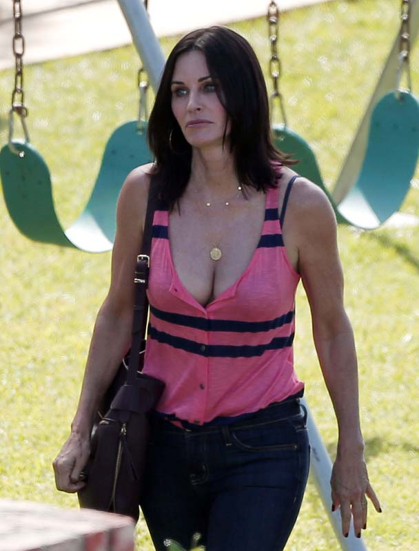 courteney cox sexy pic8