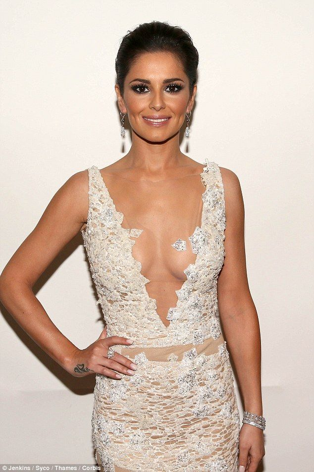 Cheryl Cole on hot wallpapers